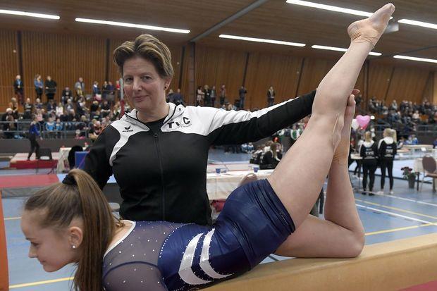 Foto Angelique Dekker (44) uit Dalen is al ruim twintig jaar als trainer aan TVC verbonden. (© Boudewijn Benting)