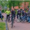 Foto fietsers die de veiligheid in Dalen onderzoeken