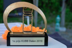 Foto van de 1e prijs van het Kubb-kampioenschap Dalen.