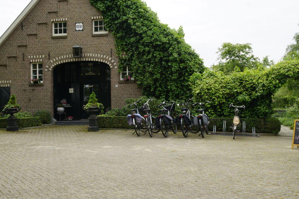 foto rij met fietsen fietsen met bestek