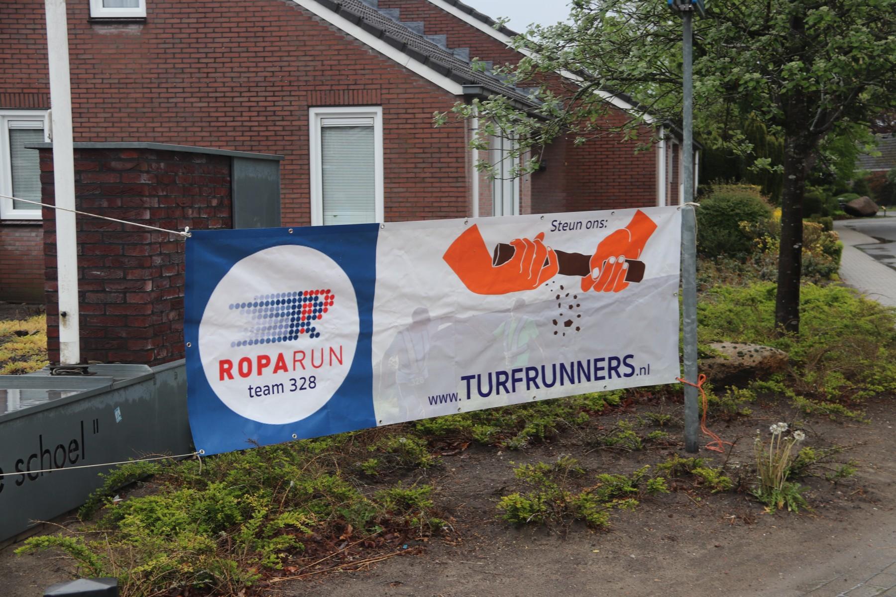 Foto Spandoek Turfrunners Roparun