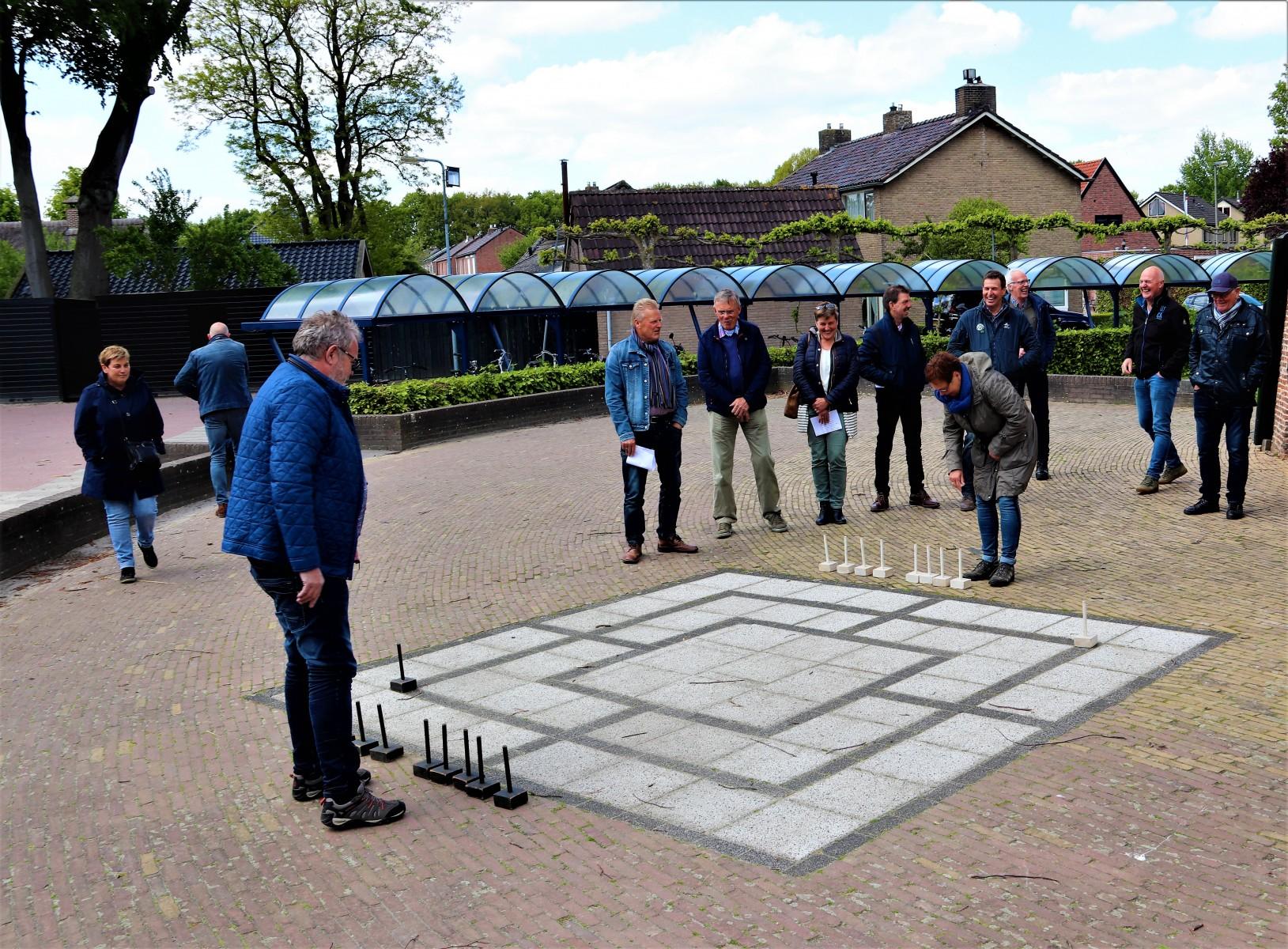 Foto van de spelers van het molenspel bij de molen Jan Pol in Dalen, 2019.