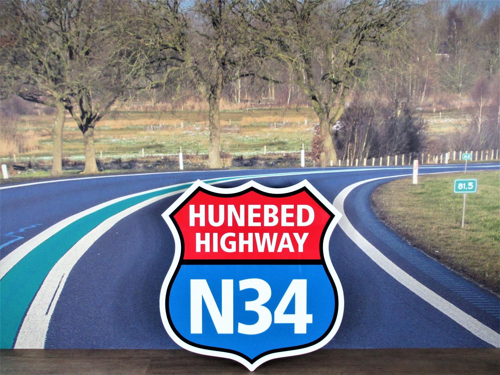 Foto hunebed Highway