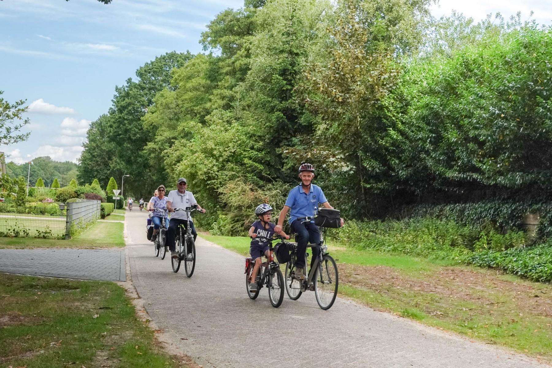 Foto fietsers in Drenthe