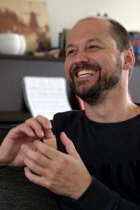 Portretfoto van Jeroen Rienties voor de Toorn van Thunaer