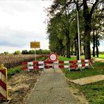 Foto van het afgesloten fietspad van Coevorden naar Dalen; fietspad is afgesloten in verband met de vervanging van de gasleiding.