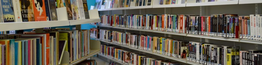Foto bibliotheek Dalen in de bibliotheek