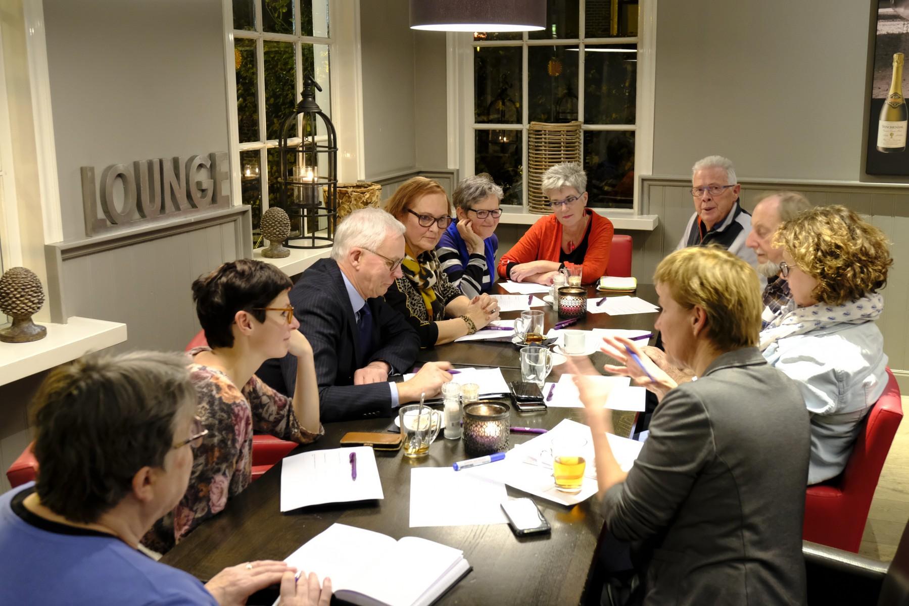 Foto Dialoogtafel Dorpsbelangen, gemeente GDD november