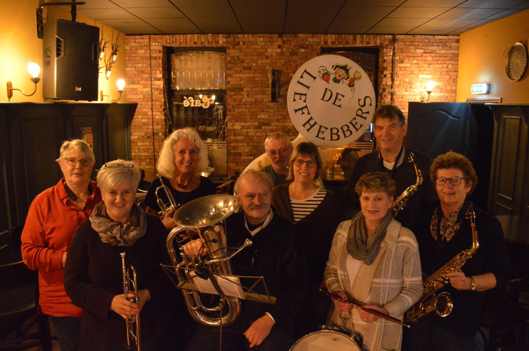 """Foto van muzikantengroep """"De Liefhebbers""""uit Dalen."""""""