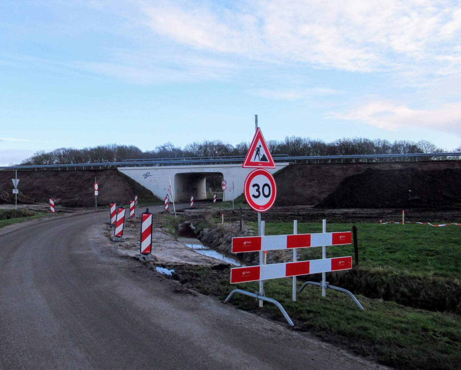 Foto werkzaamheden N34 bij de tunnel Achterbente Dalen
