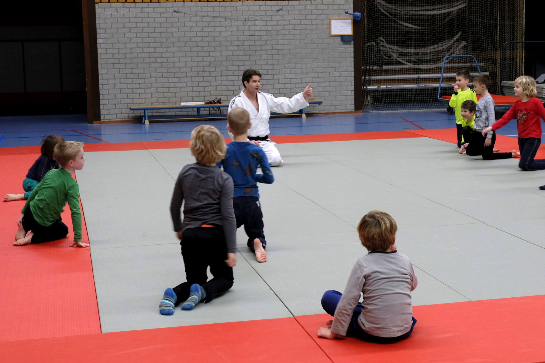 Foto van buitenschoolse sportclinics judo.