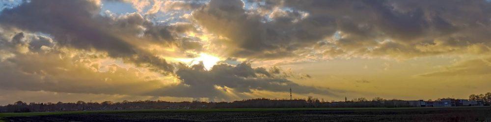 Kopfoto winterwolken bij Eldijk/Verbindingsweg
