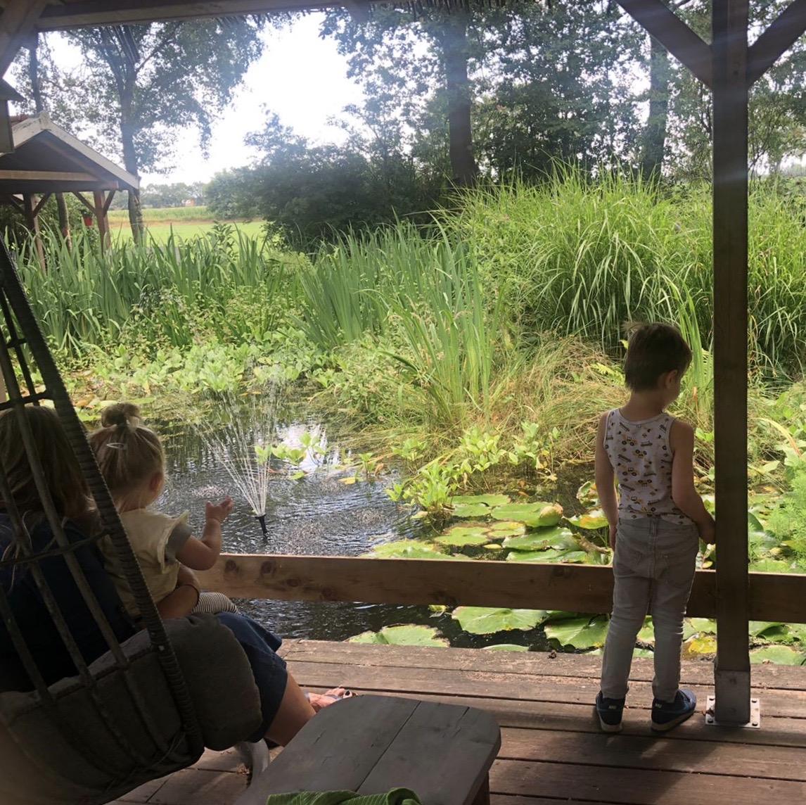 Foto kinderen in tuin