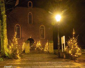 Foto verlicht centrum Dalen met kerst
