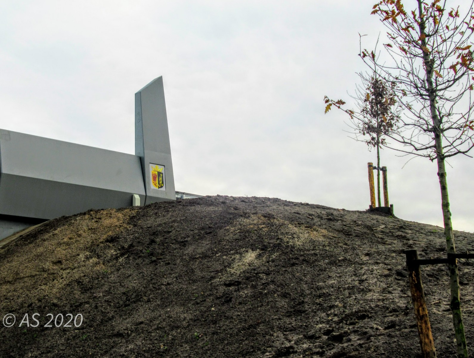 Foto viaduct N34 met wapen Dalen