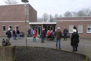 Overdracht duofiets voor bewoners Selkersgoorn in Dalen.