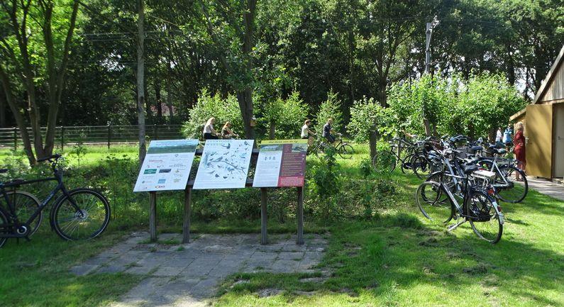 Foto bijenstal met fietsen Daoler Tuun