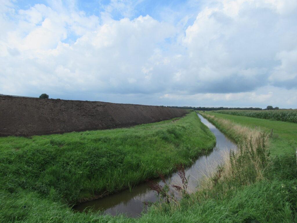 Foto Ontgronding waterplas Huttenheugte